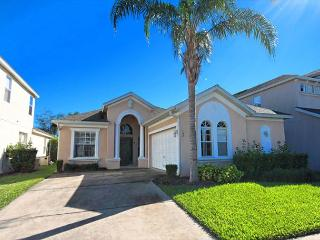 THE GROVE: 4 Bedroom Pet-Friendly Home with 2 Master Suites - Haines City vacation rentals