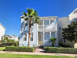REUNION VILLA: 4 Bedroom Home in Gated Resort Community with Pool and Spa - Disney vacation rentals