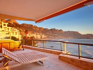 Nice 3 bedroom Clifton Apartment with Internet Access - Clifton vacation rentals