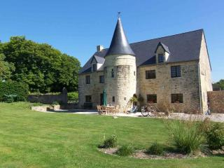 Cozy 3 bedroom Bed and Breakfast in Picauville with Internet Access - Picauville vacation rentals