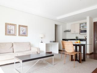 Elegant 1 Bedroom Apartment with Pool in Jardins - Sao Paulo vacation rentals