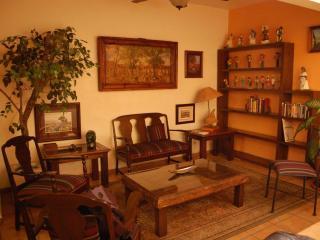Three-bedroom apartment in Historic Morelia - Morelia vacation rentals