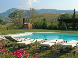 Tuscany Villa with Private Pool - Villa Enrico - Castiglione D'Orcia vacation rentals