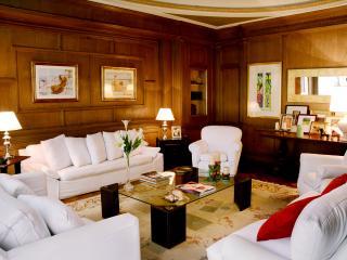 Magnificent 5 Bedroom Apartment in Recoleta - Buenos Aires vacation rentals