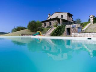 Santamaria: a former 15th century priory, sleep 12 - Acquasparta vacation rentals