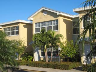 Great Condo - Barefoot Beach Resort - Ground Floor - Indian Shores vacation rentals