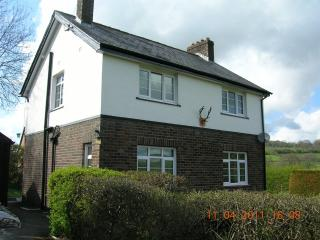 Bevan House with Hot Tub & Wi Fi/Builth/Mid Wales - Llandrindod Wells vacation rentals