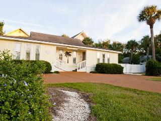DeSoto Beach Bungalows, POOL, NO HIDDEN FEES - Tybee Island vacation rentals