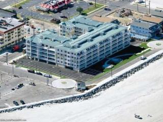 Four bedroom two level ocean front Penthouse - North Wildwood vacation rentals