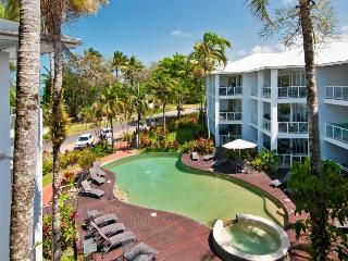 Beachfront Holiday Unit Port Douglas w  FREE WIFI - Port Douglas vacation rentals
