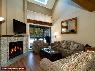 Nicely appointed, 3 bdrm townhouse, minutes from slope - Whistler vacation rentals
