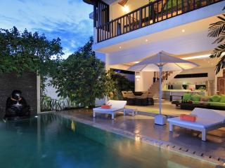 TROPICAL VILLA NOVAKU - 2 Bedroom Stylish Villa - Seminyak vacation rentals