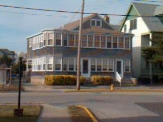 Lovely 3 bedroom Cape May Condo with Deck - Cape May vacation rentals