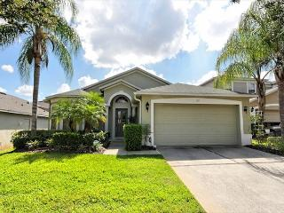 SUNNIER BET: 4 Bedroom Pool Home with Two Master Suites and Game Room - Davenport vacation rentals
