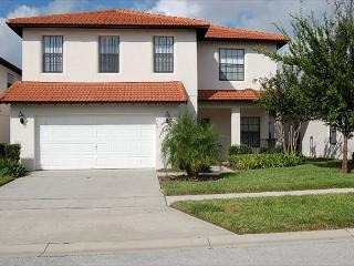 CALEDONIA: 4 Bedroom Pool Home with Two Master Suites in Gated Community - Clermont vacation rentals