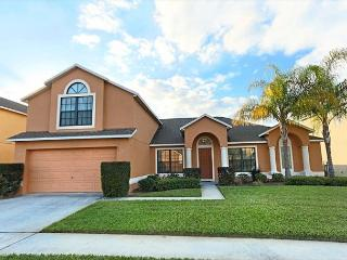 FLORIDA PARADISE: 5 Bedroom Home with 2 Master Suites and Spacious Pool Area - Davenport vacation rentals