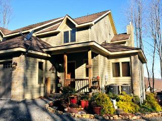 Exquisite 5 Bedroom luxury townhome showcases elegant decor throughout! - Oakland vacation rentals