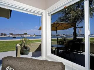 #3676 Bayside Walk - Waterfront - Luxurious Vacation Retreat W/ Patio - Mission Beach vacation rentals