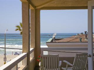 #714+716 - STEPS TO BEACH! Balcony, patio and oceanviews! - Mission Beach vacation rentals