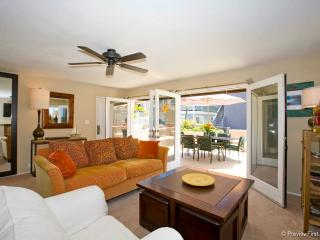 #716 - STUNNING RETREAT W/Patio and Oceanviews - Mission Beach vacation rentals