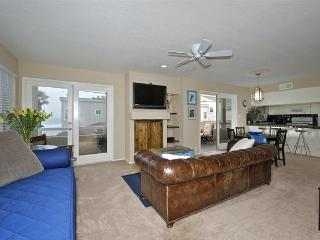 #714 - OCEANVIEWS from many rooms! Wrap-around balcony! - Mission Beach vacation rentals