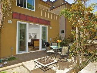 #733 - LUXURIOUS Retreat W/Private Patio! Steps to beach! - Pacific Beach vacation rentals