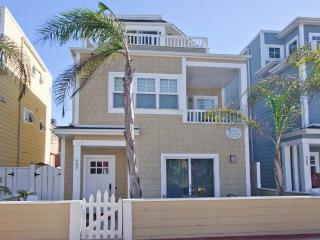 #807 - LUXURIOUS RETREAT W/Patio and Balconies! Great Ocean and Bay Views! - Mission Beach vacation rentals
