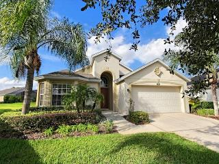 GRAND PAVILION: 4 Bedroom Home in Gated Community with South Facing Pool Area - Davenport vacation rentals