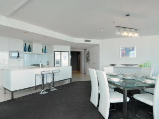 Q1's 1505 SkyHome - Take a look at this - Surfers Paradise vacation rentals