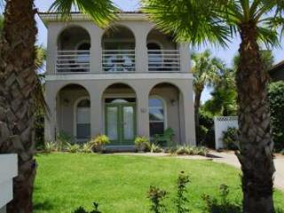 SummerRates Reduced! Close to bch PvtPool Pets BPV - Destin vacation rentals