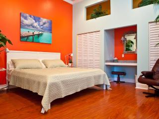 Perfect Condo with Deck and Internet Access - Key West vacation rentals