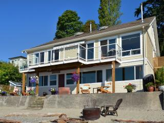 Adorable House with Internet Access and Deck in Gibsons - Gibsons vacation rentals