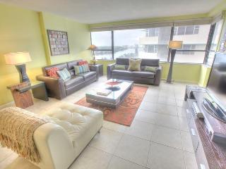 Stylish 2 BR in Miami Beach - Suite 1218 - Miami Beach vacation rentals