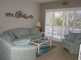 Gr Floor-Seven Mile Beach-Christopher Columbus - Seven Mile Beach vacation rentals