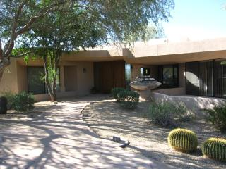 """SPRING SPECIAL"" Stay 6 nights 7th night FREE!!!! - Cave Creek vacation rentals"