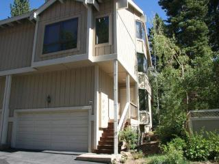 Bright Upscale Condo on the Golf Course (15FAIR) - Lake Tahoe vacation rentals