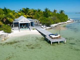 Secluded beachfront hideaway Casa Brisa with intimate jacuzzi & private dock - Ambergris Caye vacation rentals