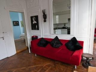 Marais French Chic,Perfect Location,1+bed,sleeps 4 - Paris vacation rentals