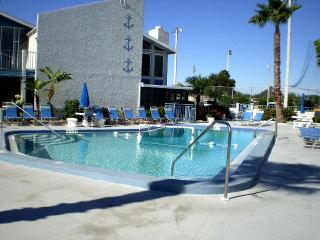 Beautiful Twnhome 253H Madeira Beach Yacht Club - Madeira Beach vacation rentals