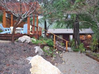 2 bedroom Cabin with Deck in Sechelt - Sechelt vacation rentals