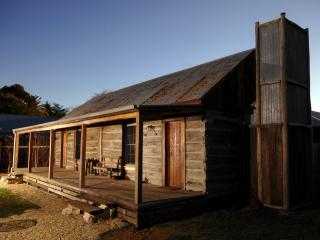1860 Luxury Accommodation, for couples, Beechworth - Beechworth vacation rentals