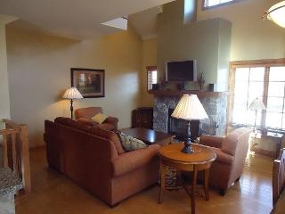 Goldenbar 23 - Two bedroom, Three Bath Townhome. Sleeps 6. WIFI. Pet Friendly - Stanley vacation rentals