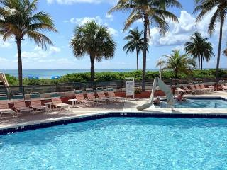 On the Beach Ocean View Studio King Bed & Futon for 3 Guests Heated Pool 430 - Hollywood vacation rentals