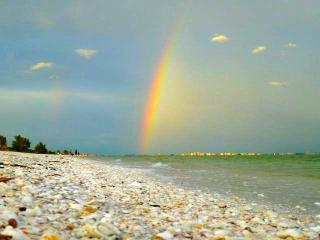 Sanibel's Rainbow, 2 bdrm/baths: Beach Bikes & Pet - Sanibel Island vacation rentals