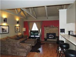 Seasons 4 - 2 Brm loft - 1.5 Bath , #170 - Mammoth Lakes vacation rentals