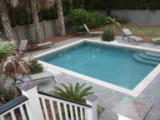 Beautiful 5 Br Home - Private Pool & Short Walk to Beach! - Marathon vacation rentals