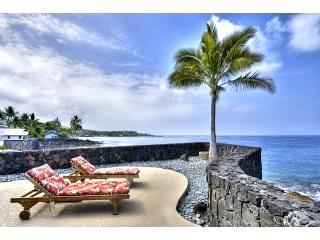 Its like a Hollywood set, the home sits out on a point - OCEANFRONT HOME  3BEDROOM  SPA  AC AT STATE BEACH - Kailua-Kona - rentals