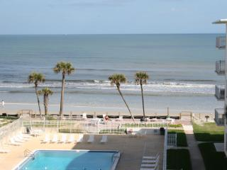 1/1 Oceanfront Condo with Great Ocean View! - New Smyrna Beach vacation rentals