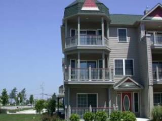 "Large Condo with Pool ""The Sandy Clam"" 105315 - Cape May vacation rentals"