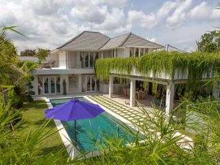 Awarded winer 4BR villa 5 minuts from seminyak - Seminyak vacation rentals